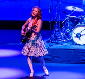 Darrell Hoemann Photography Laurie Berner opens with the song Drive My Car during the Laurie Berner Band morning concert in the Tryon Festival Theatre of Krannert Center in Urbana on Saturday, September 17, 2016.