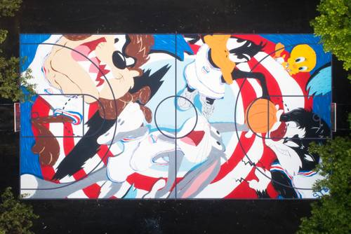 https___hypebeast.com_image_2019_07_warner-bros-tune-squad-court-mural-evan-russell-1
