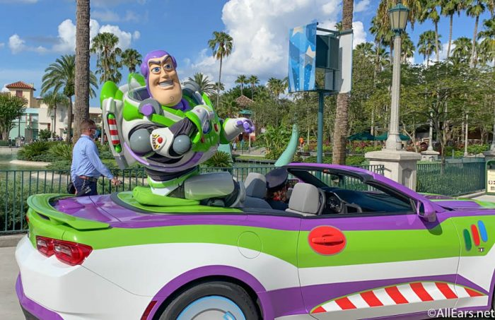 Buzz-Lightyear-Character-Cavalcade-Hollywood-Studios-Reopening-700x453